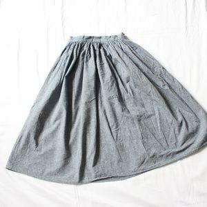 Dresses & Skirts - XS Chambray Midi Skirt
